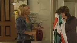 Steph Scully, Lyn Scully in Neighbours Episode 5933