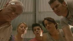 Lou Carpenter, Donna Freedman, Zeke Kinski, Declan Napier, Lucas Fitzgerald in Neighbours Episode 5933