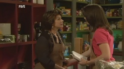 Lyn Scully, Kate Ramsay in Neighbours Episode 5934