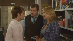 Susan Kennedy, Toadie Rebecchi, Steph Scully in Neighbours Episode 5934