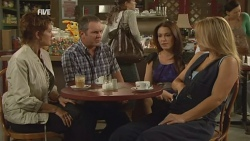 Susan Kennedy, Karl Kennedy, Libby Kennedy, Steph Scully in Neighbours Episode 5936