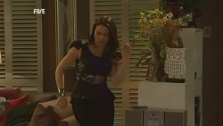 Libby Kennedy in Neighbours Episode 5936