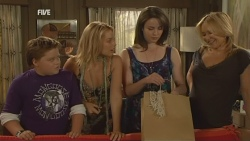 Callum Jones, Donna Freedman, Kate Ramsay, Steph Scully in Neighbours Episode 5938