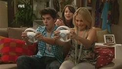 Zeke Kinski, Kate Ramsay, Donna Freedman in Neighbours Episode 5938