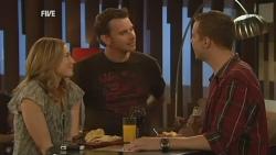 Sonya Mitchell, Lucas Fitzgerald, David Foster in Neighbours Episode 5938