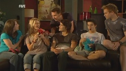 Kate Ramsay, Donna Freedman, Lucas Fitzgerald, Declan Napier, Zeke Kinski, Ringo Brown in Neighbours Episode 5938