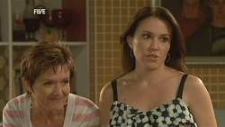 Susan Kennedy, Libby Kennedy in Neighbours Episode 5942