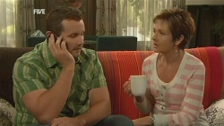 Toadie Rebecchi, Susan Kennedy in Neighbours Episode 5942