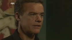 Paul Robinson in Neighbours Episode 5942
