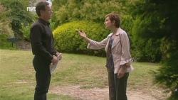 Paul Robinson, Susan Kennedy in Neighbours Episode 5943