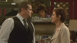 Toadie Rebecchi, Lyn Scully, Susan Kennedy in Neighbours Episode 5943