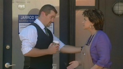 Toadie Rebecchi, Lyn Scully in Neighbours Episode 5943