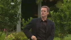 Paul Robinson in Neighbours Episode 5943