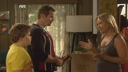 Callum Jones, Toadie Rebecchi, Steph Scully in Neighbours Episode 5944