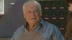 Lou Carpenter in Neighbours Episode 5944