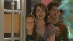 Sophie Ramsay, Kate Ramsay, Harry Ramsay in Neighbours Episode 5944