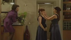Lyn Scully, Summer Hoyland, Libby Kennedy in Neighbours Episode 5946
