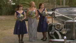Summer Hoyland, Steph Scully, Libby Kennedy in Neighbours Episode 5946
