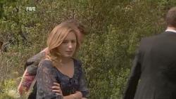 Lucas Fitzgerald, Sonya Mitchell in Neighbours Episode 5946