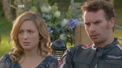 Sonya Mitchell, Lucas Fitzgerald in Neighbours Episode 5947