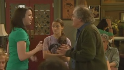 Kate Ramsay, Sophie Ramsay, Terry Kearney in Neighbours Episode 5947