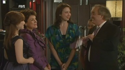Summer Hoyland, Lyn Scully, Kate Ramsay, Terry Kearney in Neighbours Episode 5947