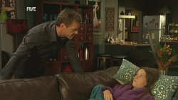 Paul Robinson, Sophie Ramsay in Neighbours Episode 5950