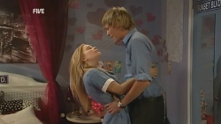 Natasha Williams, Andrew Robinson in Neighbours Episode 5950