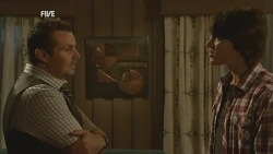 Toadie Rebecchi, Declan Napier in Neighbours Episode 5950