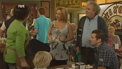 Lyn Scully, Charlie Hoyland, Steph Scully, Terry Kearney, Toadie Rebecchi in Neighbours Episode 5951