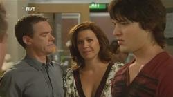 Paul Robinson, Rebecca Napier, Declan Napier in Neighbours Episode 5951