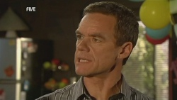 Paul Robinson in Neighbours Episode 5951