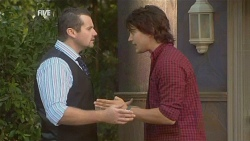Toadie Rebecchi, Declan Napier in Neighbours Episode 5952