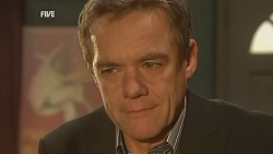 Paul Robinson in Neighbours Episode 5952