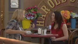 Steph Scully, Libby Kennedy in Neighbours Episode 5953