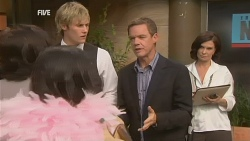 Andrew Robinson, Paul Robinson, Diana Marshall in Neighbours Episode 5953