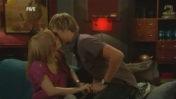 Natasha Williams, Andrew Robinson in Neighbours Episode 5953