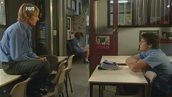 Andrew Robinson, Chris Pappas in Neighbours Episode 5954