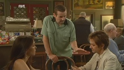 Libby Kennedy, Toadie Rebecchi, Susan Kennedy in Neighbours Episode 5954