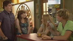 Chris Pappas, Summer Hoyland, Natasha Williams, Andrew Robinson in Neighbours Episode 5954