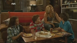 Sophie Ramsay, Callum Jones, Natasha Williams, Ben Kirk in Neighbours Episode 5955