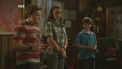 Callum Jones, Sophie Ramsay, Ben Kirk in Neighbours Episode 5955