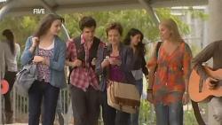 Kate Ramsay, Zeke Kinski, Susan Kennedy, Donna Freedman in Neighbours Episode 5955