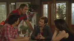Zeke Kinski, Karl Kennedy, Susan Kennedy, Libby Kennedy in Neighbours Episode 5956