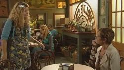 Gemma Pickford, Susan Kennedy in Neighbours Episode 5957