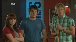 Summer Hoyland, Chris Pappas, Andrew Robinson in Neighbours Episode 5957