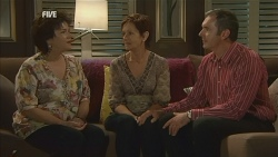 Lyn Scully, Susan Kennedy, Karl Kennedy in Neighbours Episode 5957