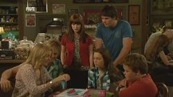Natasha Williams, Andrew Robinson, Summer Hoyland, Sophie Ramsay, Chris Pappas, Callum Jones in Neighbours Episode 5957