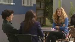 Zeke Kinski, Libby Kennedy, Gemma Pickford in Neighbours Episode 5958