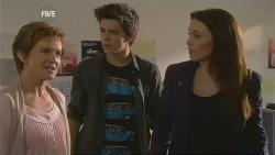 Susan Kennedy, Zeke Kinski, Libby Kennedy in Neighbours Episode 5959